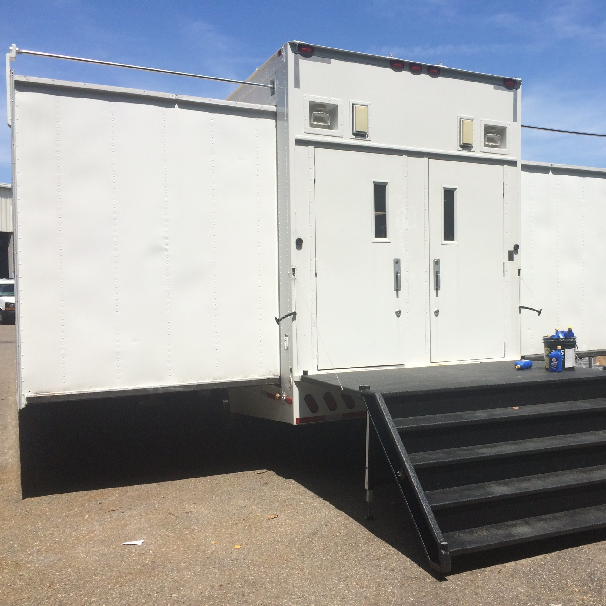 Pre-Owned Double Expandable - Oil/Gas
